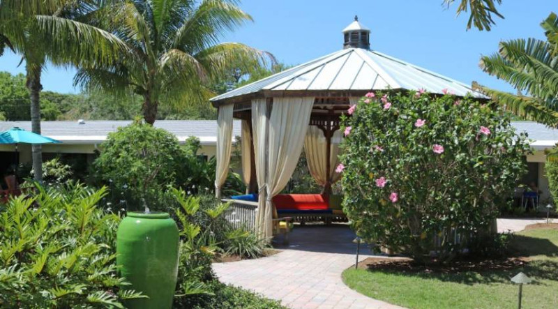 A-Banyan-Residence2